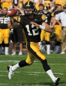 Quarterback Ricky Stanzi returns to lead the Hawkeyes in 2009